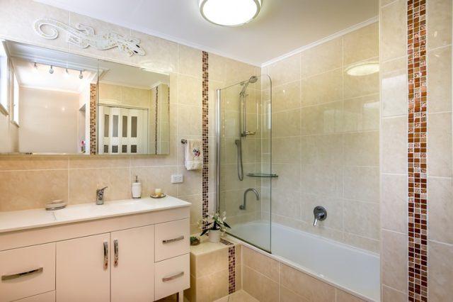 idealnie oświetlona łazienka