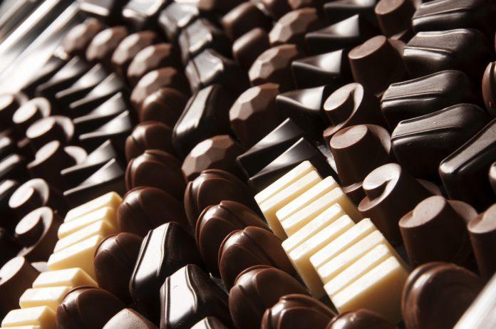Konszowanie czekolady